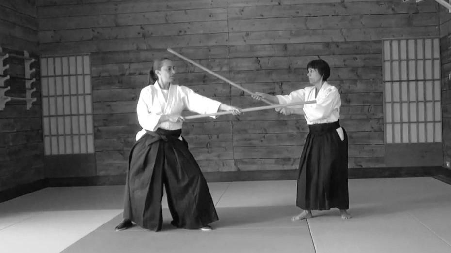 Morgane FALLON et Christine Riou exécutant Roku No Jo à deux